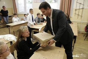 Idén is az önkormányzat ingyenes tanszercsomagjával indult az új tanév minden gyáli gyermeknek